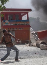 Aristide Supporters Clash With UN Peacekeepers in Haiti