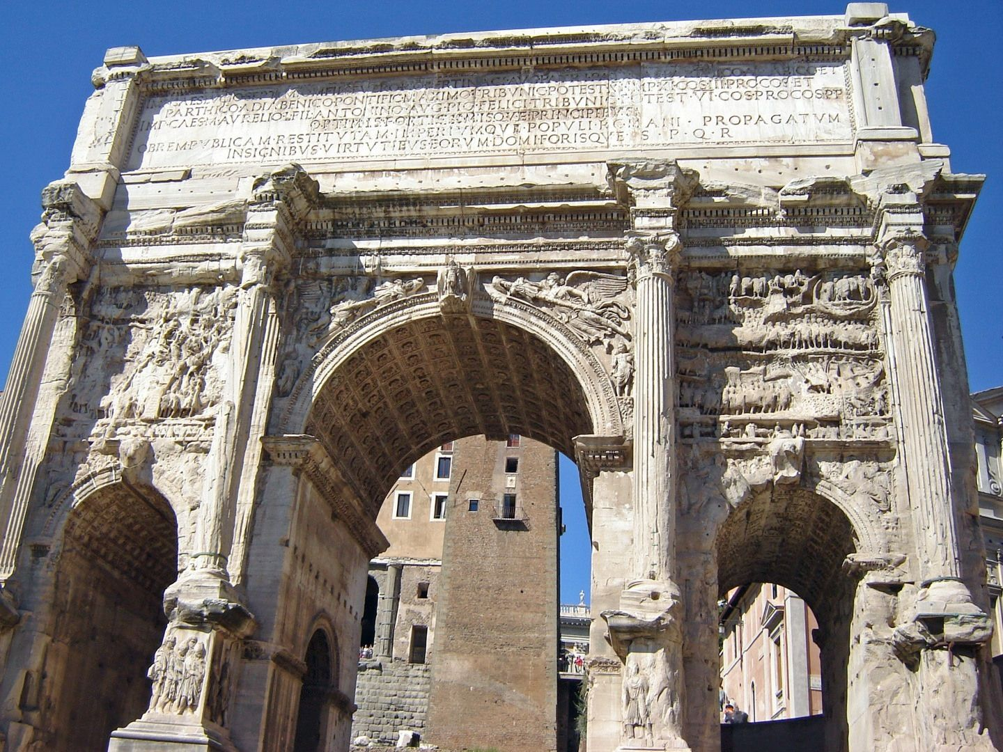 a report on the arch of septimius severus in rome By the time of a dragon among the eagles, when emperor septimius severus and his legions came into egypt at the conclusion of the parthian campaign around ad 199, alexandria was once again a metropolis to rival rome.