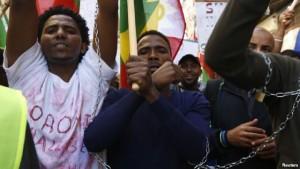 Ethiopian migrants, all members of the Oromo community of Ethiopia living in Malta, protest in Valletta against the Ethiopian regime's plan to evict Oromo farmers to expand Ethiopia's capital, Addis Ababa, Dec. 21, 2015. Reuters