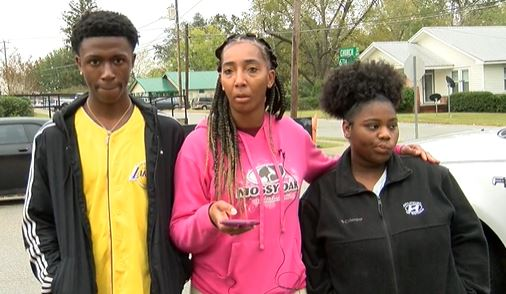 Students and aunt talk to reporter